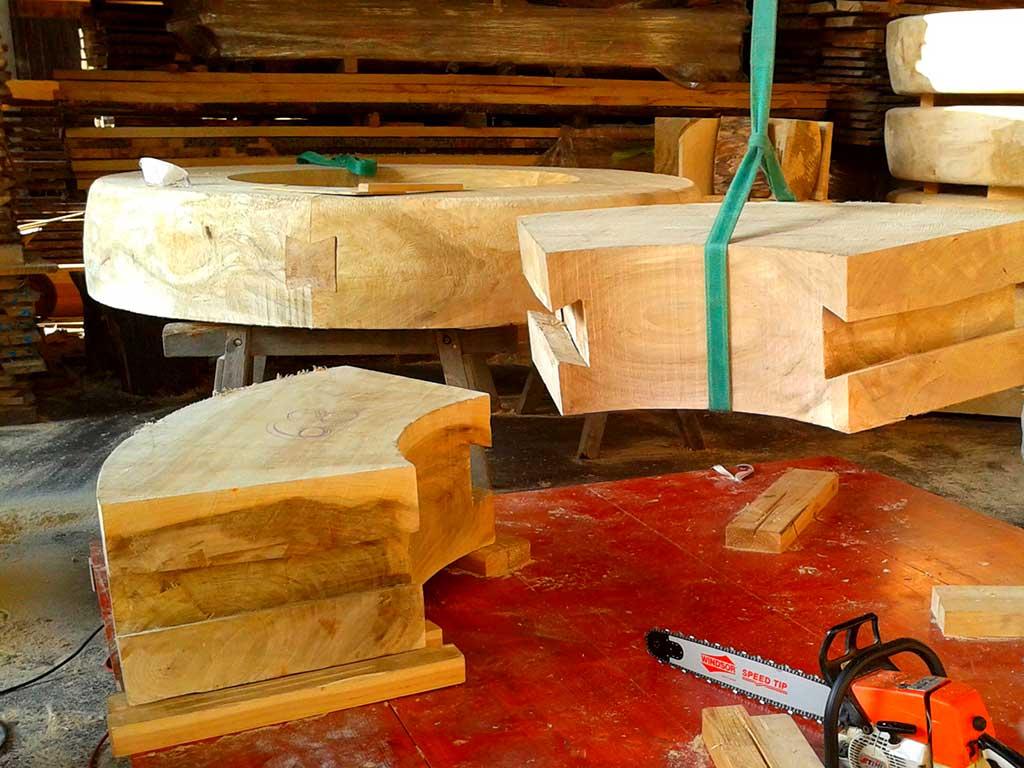 Holz als flexibler Grundstoff für phantastische Werke jeder Größe und Stilistik